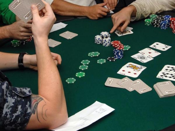 Cómo se juega al Póker Omaha