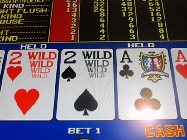 Características del videopoker en relación al póker