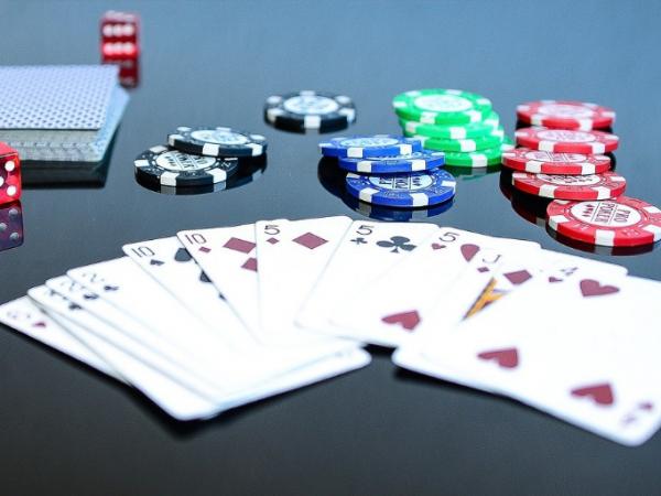 Cómo jugar la posición Pre-Flop en Póker